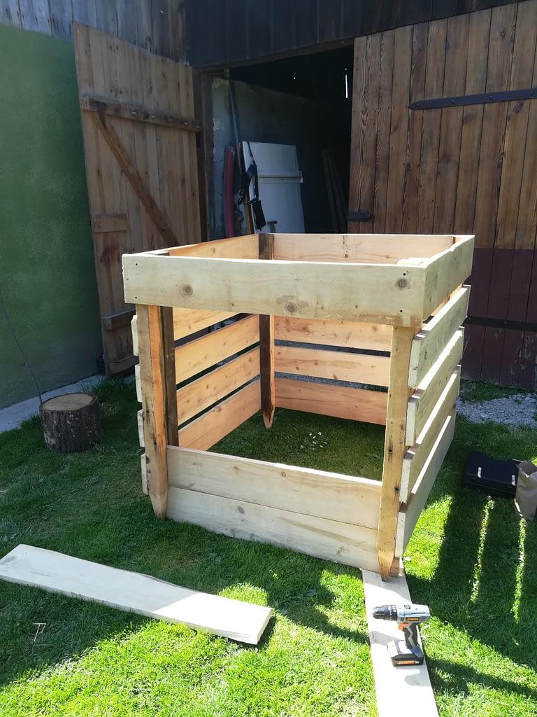 Budowa kompostownika